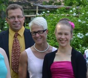 Perhe Mikkola (Ari, Kirsi ja Titta)