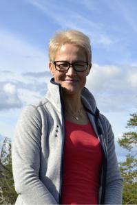 Kirsi Mikkola-yrittäjä-Sähköinen-Liiketoiminta-Suomi-oy